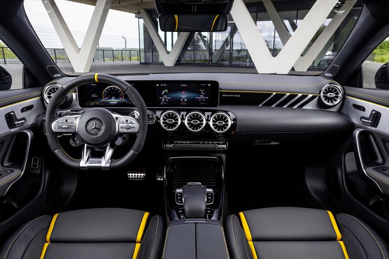 Foto de Mercedes-AMG CLA 45 4Matic (26/38)