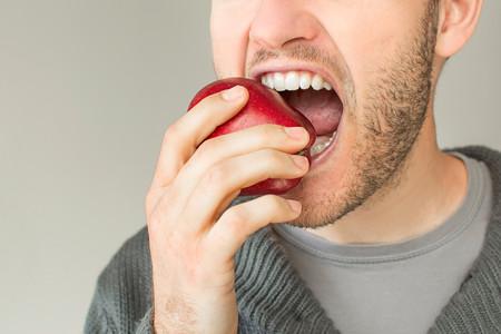Por tu línea y tu salud, mastica bien cada bocado