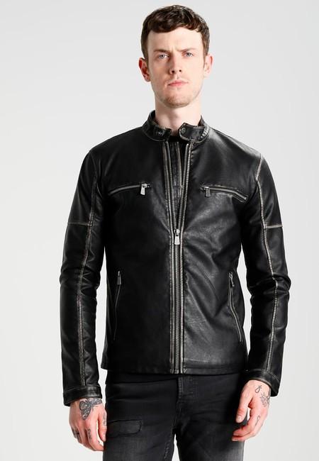 50% de descuento en la chaqueta de cuero sintético Onsskjold Cafe Racer de Only & Sons: ahora 39,95 euros en Zalando