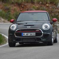 El MINI John Cooper Works llega a España con récord de potencia y un precio base de 31.750 euros