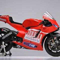 Foto 11 de 13 de la galería ducati-desmosedici-gp-10-presentada-oficialmente en Motorpasion Moto