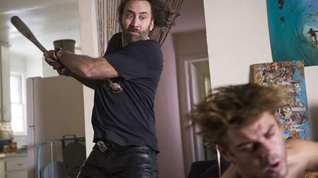 Tráiler de 'Between Worlds': Nicolas Cage cree que el fantasma de su mujer ha poseído a la hija de su novia