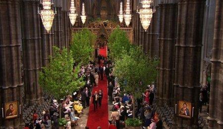 El interior de la Abadía de Westminster comienza a llenarse en la boda inglesa