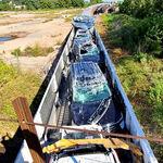 Vídeo: cómo destrozar dos millones de dólares en coches Ford metidos en un tren