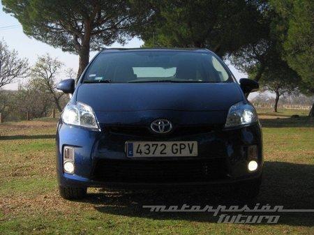 Toyota-Prius-frontal-antinieblas.jpg