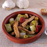 Pica-pau con carne de cerdo y encurtidos: receta de picoteo portugués para comer con palillos