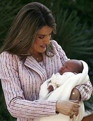 La princesa Letizia fomenta la lactancia materna