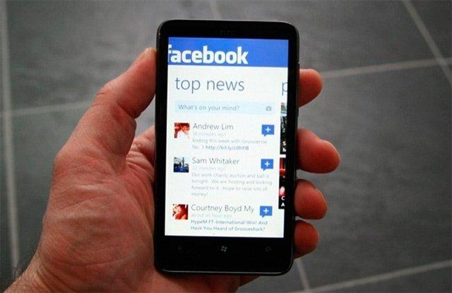 facebook-movil.jpg
