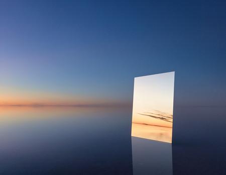 'Vanity', de Murray Fredericks, usando un espejo para crear paisajes infinitos y explorar los límites de la perspectiva