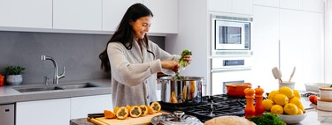 Cocina a fuego lento: los mejores utensilios para cocinar a baja temperatura (y 17 recetas para sacarles todo el partido)