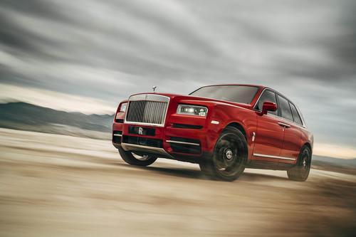 Con 5,43 m de largo, 2.600 kg y un V12, el Rolls-Royce Cullinan es el SUV más lujoso y más imponente del mercado