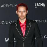 Jared Leto arriesga (y mucho) vestido de Gucci para sus alfombras rojas
