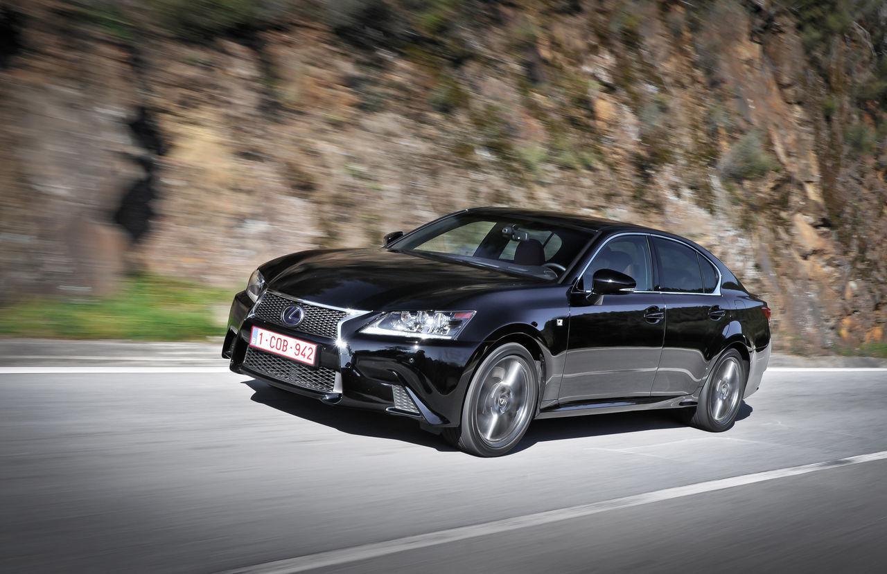 Foto de Lexus GS 450h F Sport (2012) (13/26)