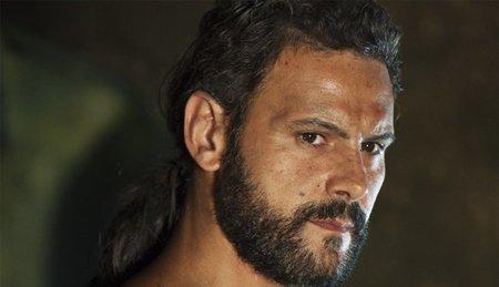 'Hispania' le gana el primer asalto a 'Felipe y Letizia'