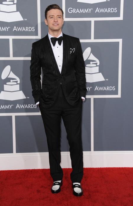 Premios Grammy 2013: estrafalaria elegancia en clave musical