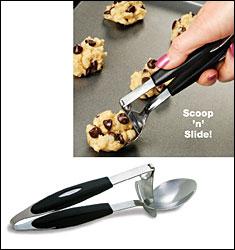 Cuchara con pala para retirar los alimentos