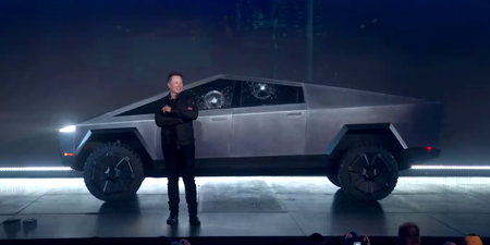 Tesla Cibertruck Roto