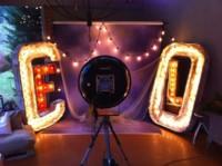 Los hogares hipster se decoran con letras iluminadas