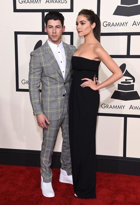 Parejas Grammy 2015 Nick Jonas Olivia Culpo