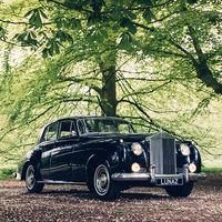 Esta empresa está convirtiendo grandes clásicos de Rolls-Royce, Jaguar y Bentley en coches eléctricos