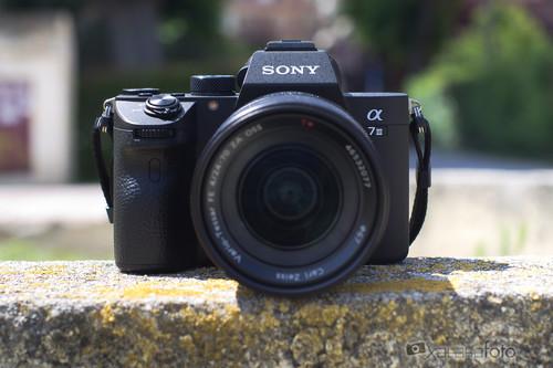 Sony A7 III, Canon EOS M50, Fujifilm X-T3 y más cámaras, objetivos y accesorios a precios reducidos: Llega nuestro Cazando Gangas