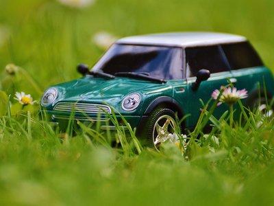 ¿Cuánto cuesta de media tener un coche en propiedad?