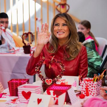 Melania Trump es la reina de los abrigos: nos lo demuestra en sus dos últimos looks