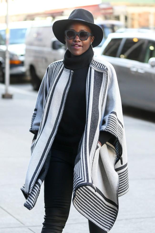 Lupita Nyong O Looks Invernales