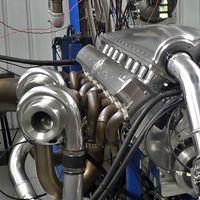 ¡Tiembla, Koenigsegg! Así rugen los escalofriantes 5.076 CV del motor V16 cuatriturbo del Devel Sixteen