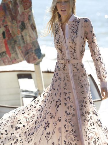 15 vestidos largos en color pastel para triunfar como invitada de boda