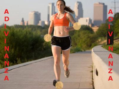 Solución a la adivinanza: los errores en la técnica del corredor son la posición de sus manos y brazos, y la zancada