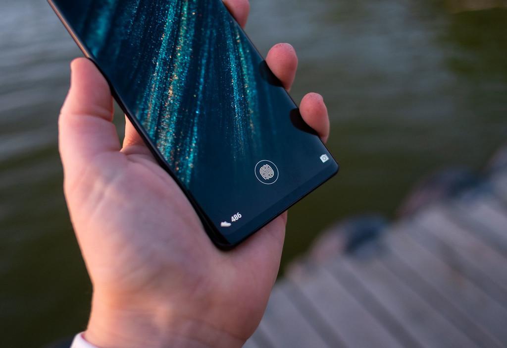 Huawei presenta el funcionamiento del primer lector de huellas bajo alguna monitor LCD