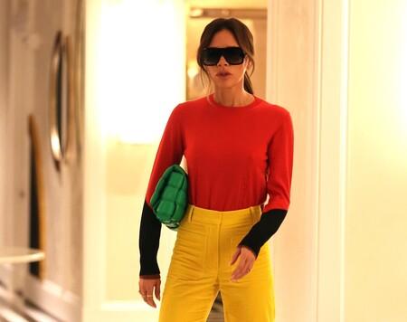 Victoria Beckham lleva a otro nivel la tendencia de los colores vivos: así es este estilismo que podría inspirarnos
