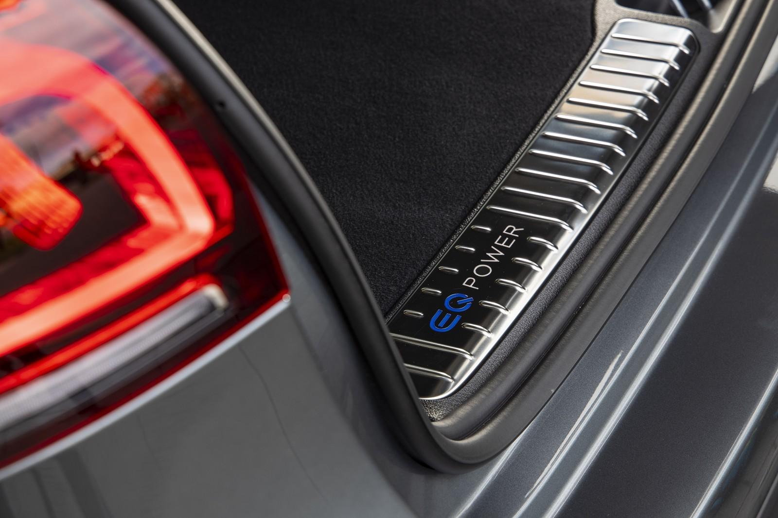 Foto de Mercedes-Benz GLE 350 de y GLC 300 e 2019 (1/13)