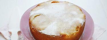 Bizcocho de almendra y melocotón en almíbar, receta