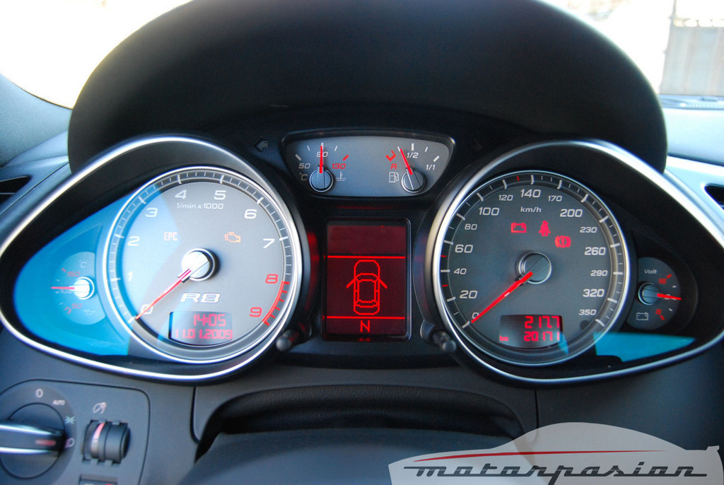 Foto de Audi R8 4.2 FSI R tronic (prueba) (17/50)
