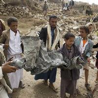 40 niños bombardeados en Yemen: los crímenes de Arabia Saudí que le pueden costar el apoyo internacional