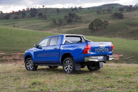 Toyota Hilux Motorpasion 02