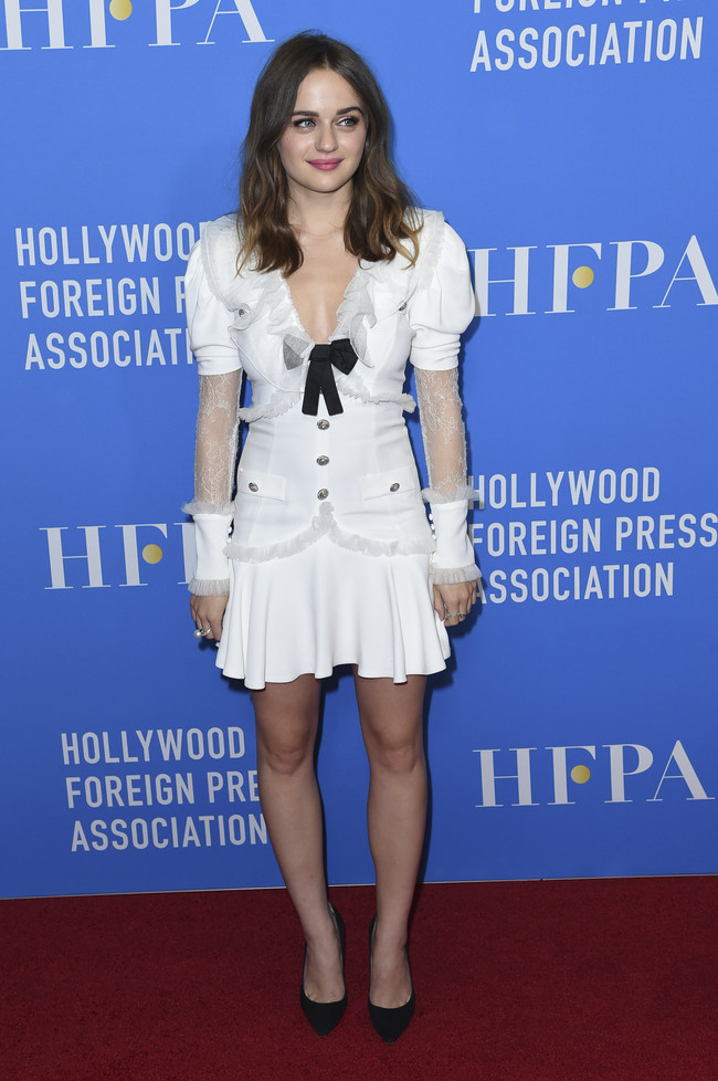 hfpa banquete red carpet Joey King