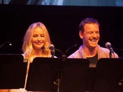 Fassbender y Lawrence en la lectura de 'El Gran Lebowski', la imagen de la semana