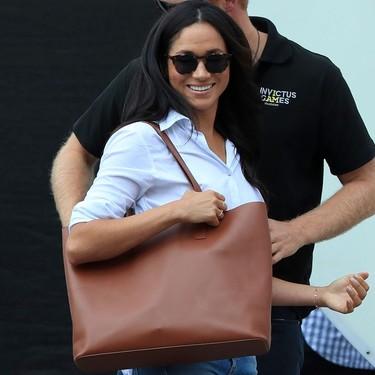 ¿Te enamoraste del primer bolso que conocimos de Meghan Markle? Después de nueve meses agotado, vuelve a estar a la venta