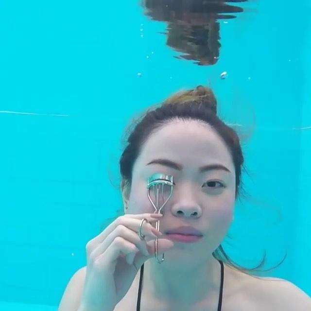 video bajo el agua maquillaje