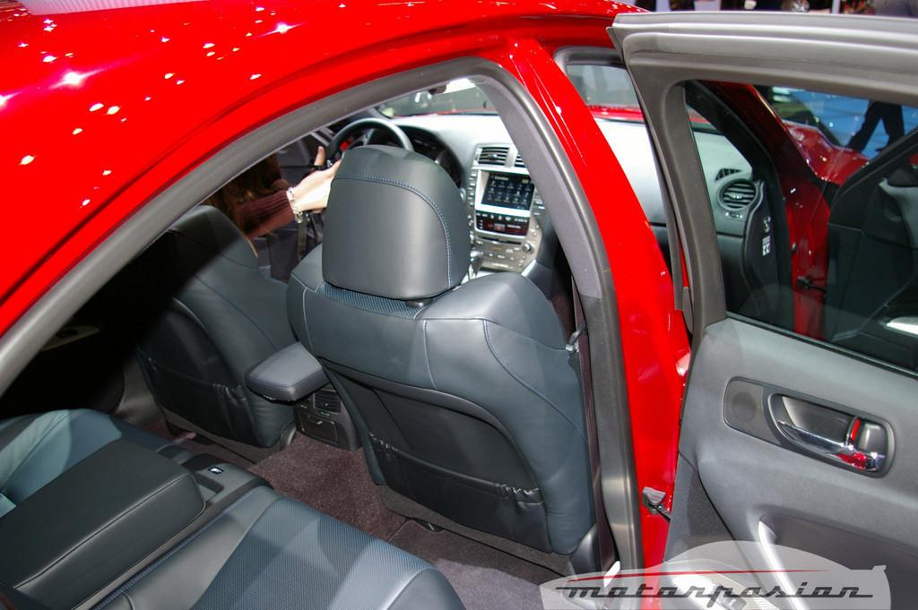 Foto de Lexus IS-F en el salón de Ginebra (8/10)