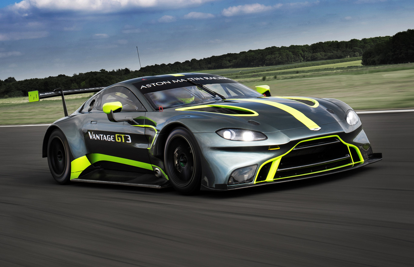 Los Nuevos Aston Martin Vantage Gt3 Y Gt4 Ya Estan Aqui Con Un Aspecto Brutal Y Poderio V8 Biturbo