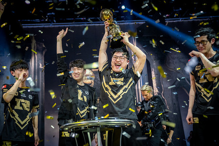 Un Uzi imperial guía a Royal Never Give Up a conquistar el MSI ante Kingzone