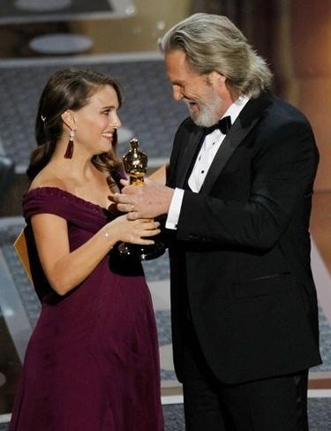 Natalie Portman lo tiene todo: el Óscar, la boda y el hijo