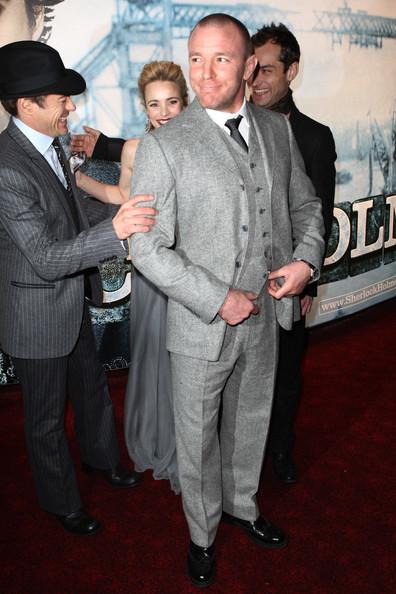 Foto de Jude Law y Robert Downey Jr, dos estilos muy elegantes en la premiere de Sherlock Holmes (1/7)