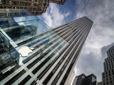 Apple contrata a un ex empleado de YouTube para reforzar su estrategia social y de video