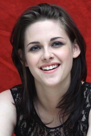 Los looks de Kristen Stewart en la gira de la última película de Crepúsculo: Eclipse, rostro