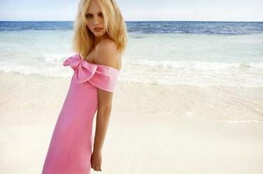 Agua de rosas con Sasha Pivovarova en Vogue Paris